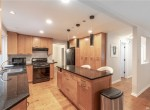 22917 NE 47th St, Redmond 98053-8320